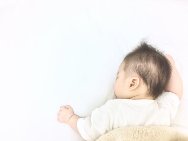 赤ちゃんが寝ている写真1